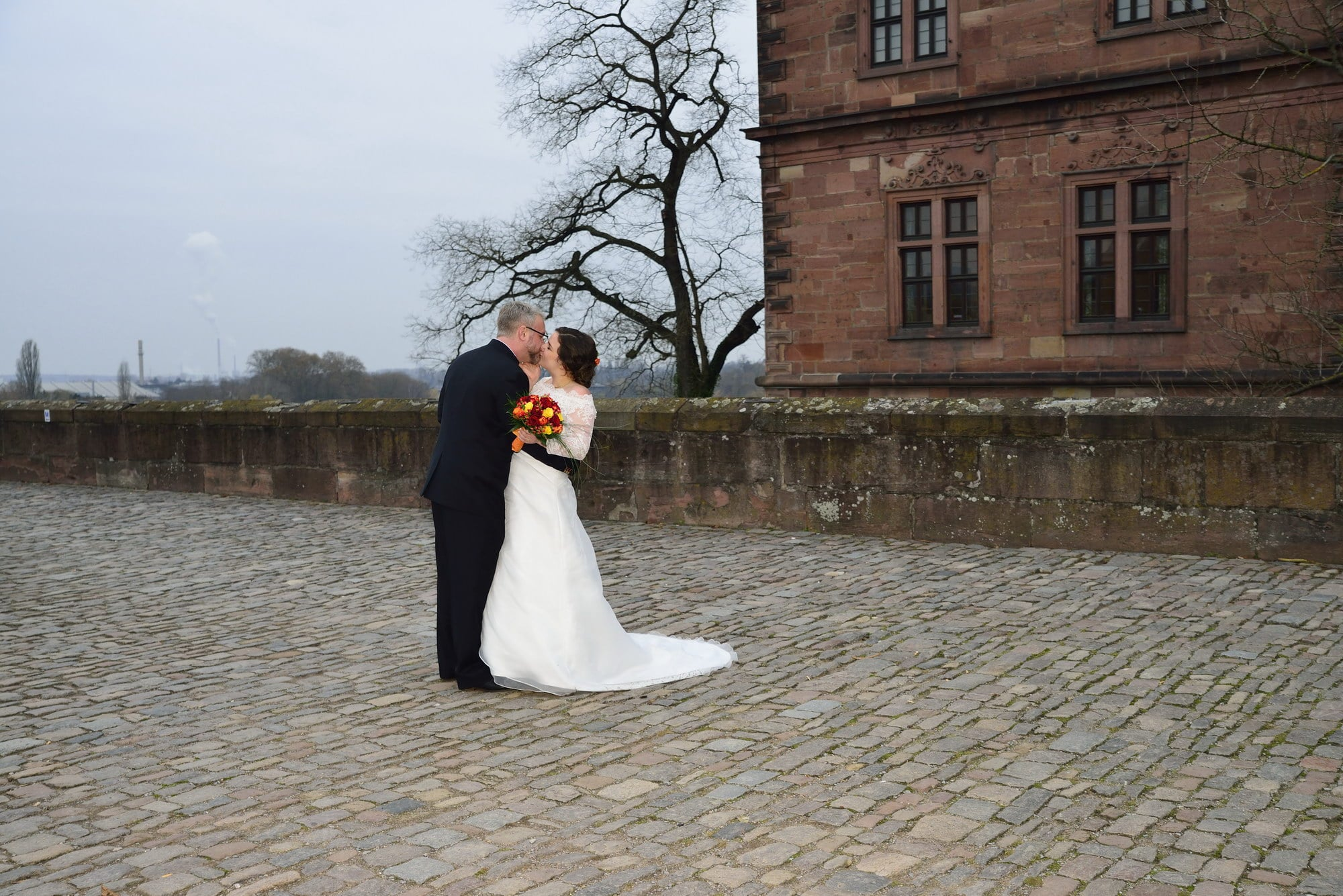 Schloss Johannisburg Aschaffenburg Brautpaar