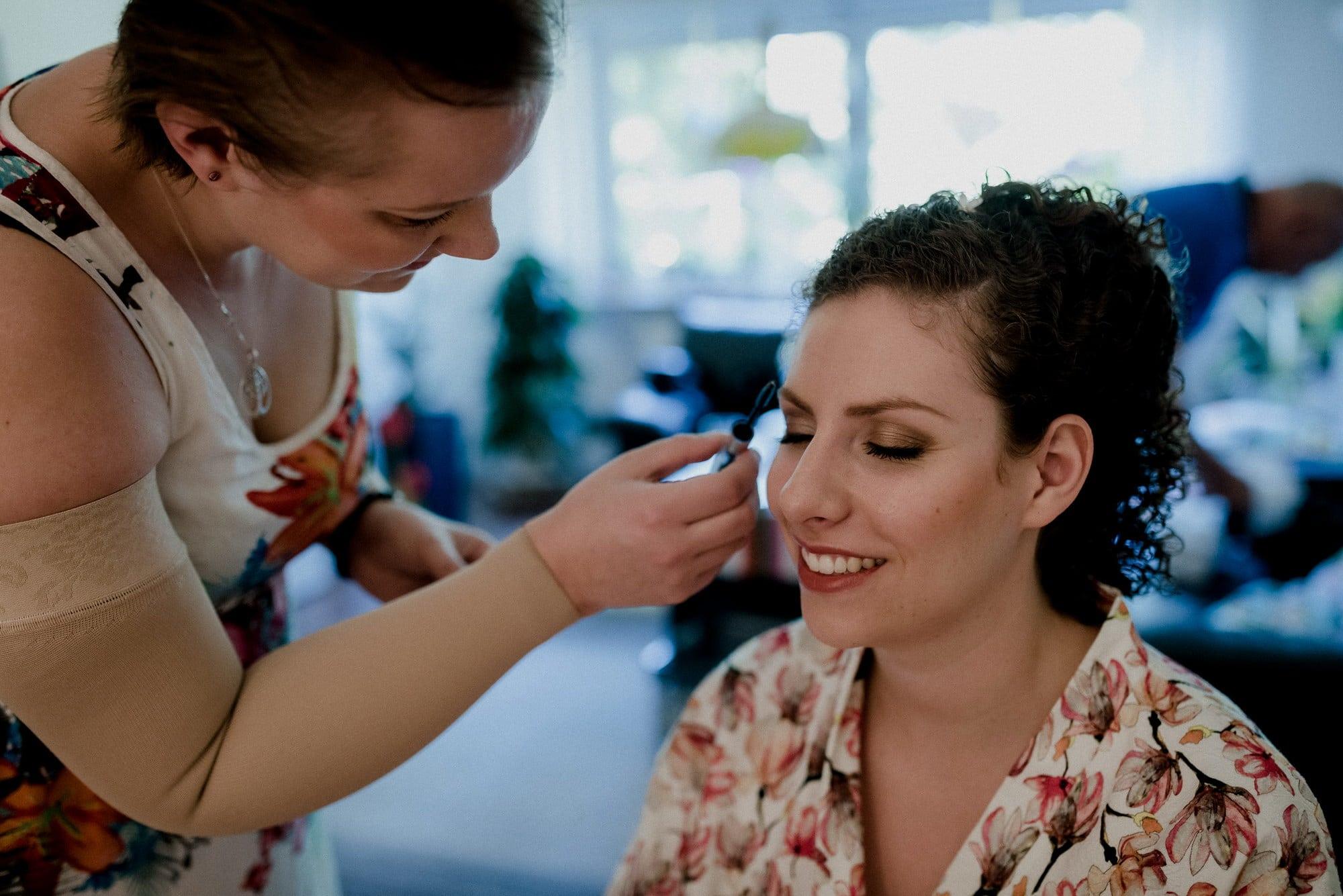 Christine Raab Stylistin schminken Wimpern Augenbraue
