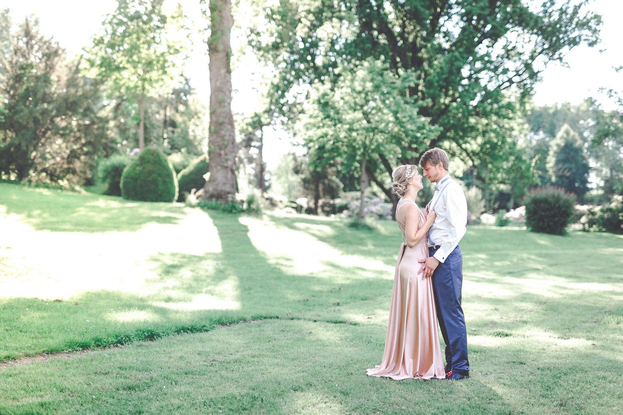 Wiese Bäume Mann Frau Wedding