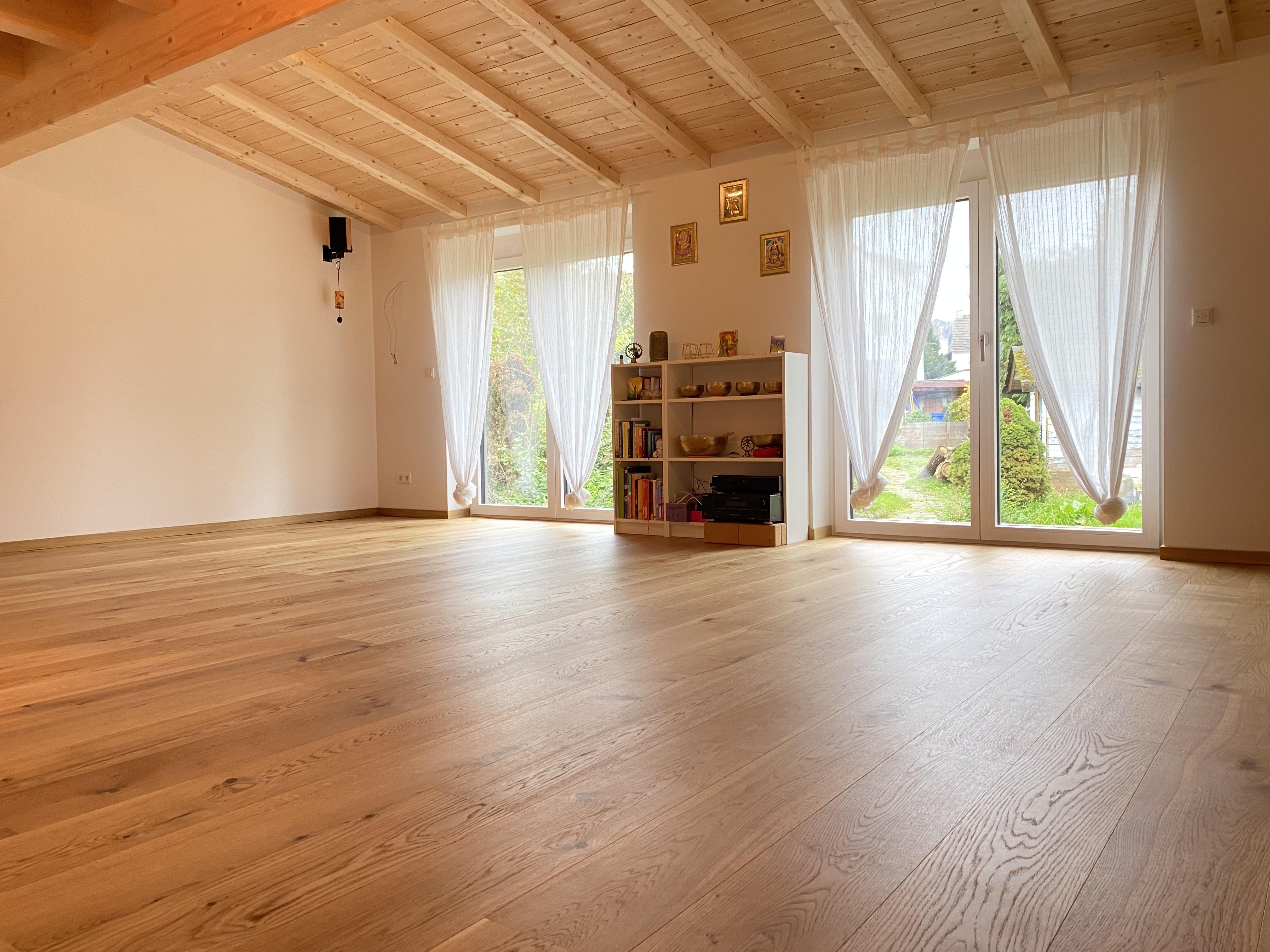 MOKSHA Yoga und Spiritual Center im Kahlgrund der Raum